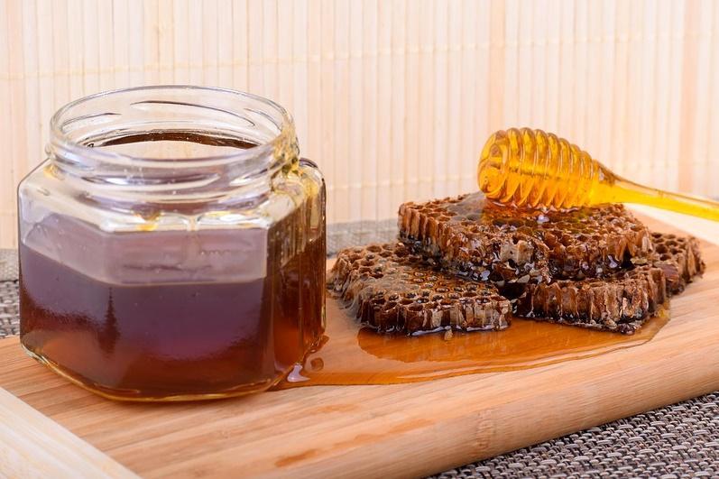 純度100%才能叫「蜂蜜」!食藥署新規:標示不實最高罰400萬