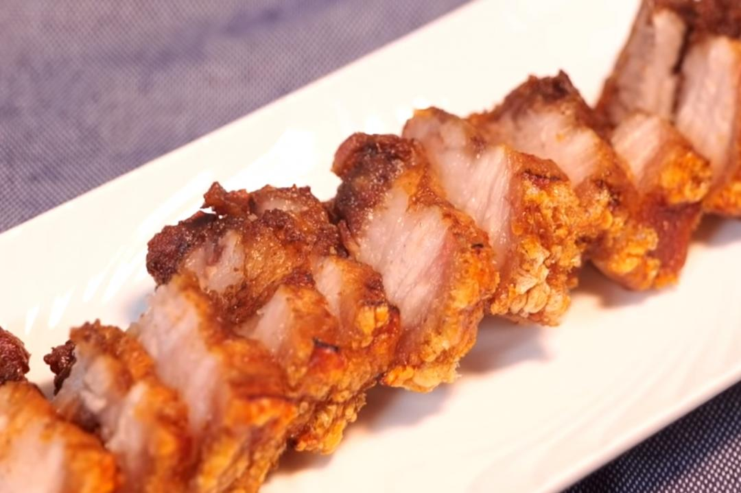 港式「脆皮燒肉」外酥裡嫩小秘訣!在家烤出專業級口感
