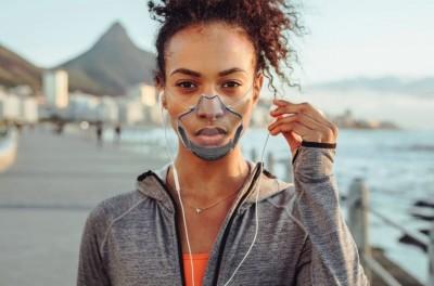 全球首款自動消毒口罩問世!  全透明可持續使用一個月