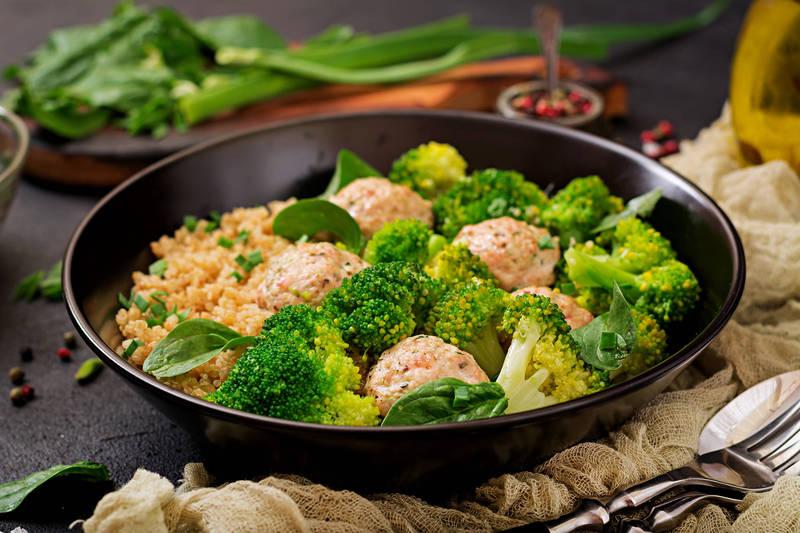 健康網》外食好方便代謝大不便! 營養師教5招聰明選、健康吃秘訣 - 樂活