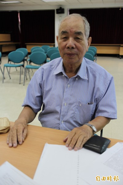 新竹縣湖口鄉81歲翁莊作兵說,票不想投政黨的,就支持他當縣長。(記者黃美珠攝)