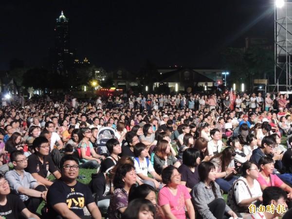 數百港澳生明晚將於高雄鐵道公園聲援香港佔中,圖為太陽花學運日前在鐵道公園活動場景(記者王榮祥攝)
