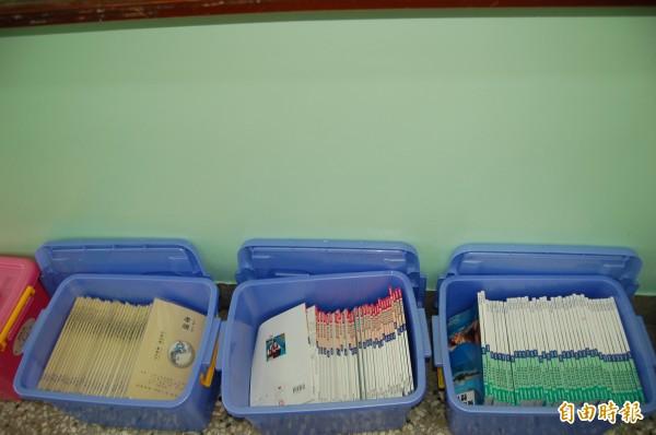 新竹市三民國中推動教科書循環再利用多年,推行效果良好,科目以人文藝術或健康教育等課程為主,學生也養成愛書不亂畫的好習慣。(記者洪美秀攝)