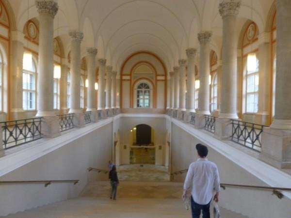 德國巴伐利亞邦立圖書館設立台灣漢學資源中心,此為圖書館館內一景。(國圖提供)