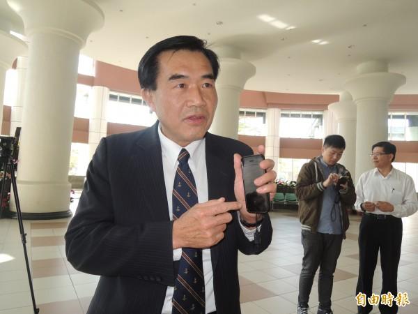 李全教反控賴清德、賴美惠在議長選舉中涉嫌賄選。(記者蔡文居攝)
