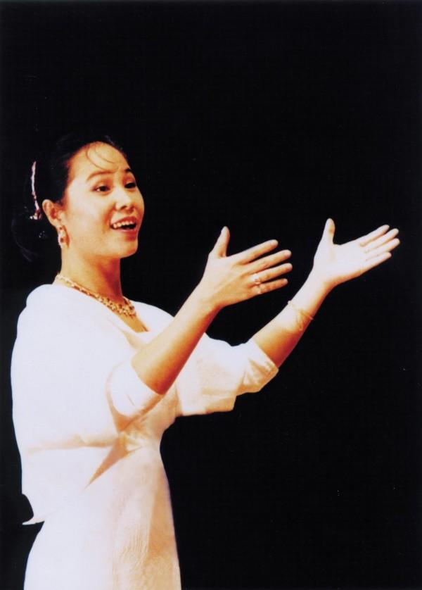洪綺玲是台灣合唱國際化的重要推手,罹患罕見癌症的她上月26日過世,音樂界不勝唏噓。(亞藝藝術/提供)