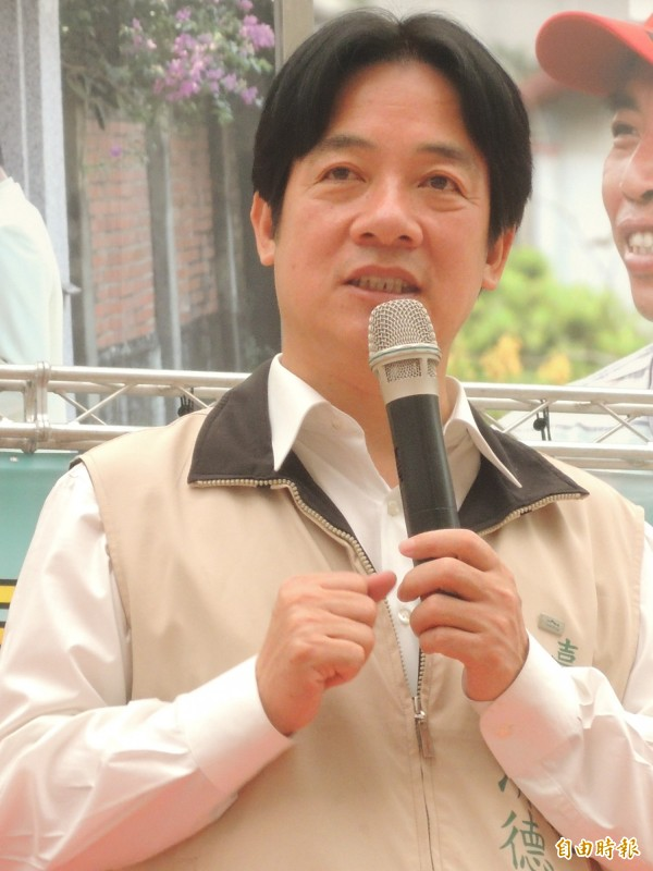 台南市長賴清德公務行政巧遇救人事蹟已有3次了。(記者洪瑞琴攝)