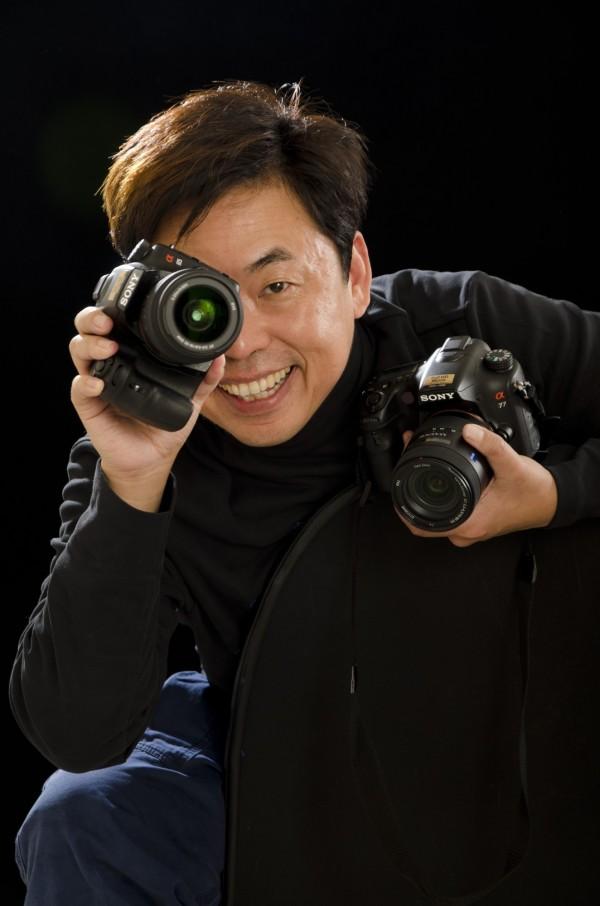 《巷》請來攝影大師范毅舜掌鏡,要讓閱聽眾看見府城不同的風景。(林榮祿攝,記者王捷翻攝)