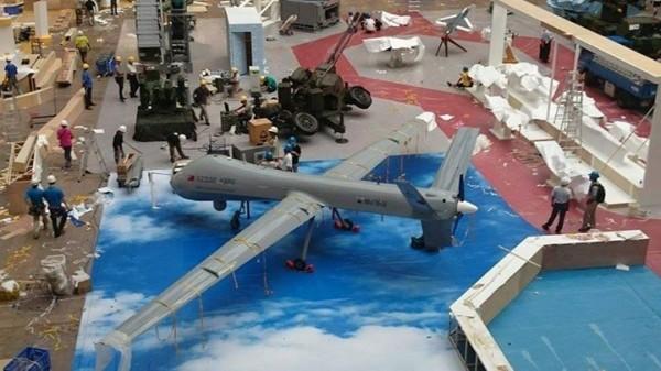 中科院研製的戰略型無人機首度公開亮相。(讀者羅峻瑋提供)