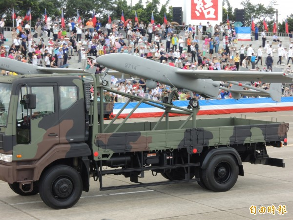 軍方現役的銳鳶無人機。(記者羅添斌攝)