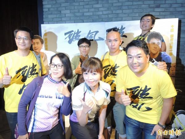 台南車隊成員參與電影《破風》拍攝。(記者洪瑞琴攝)