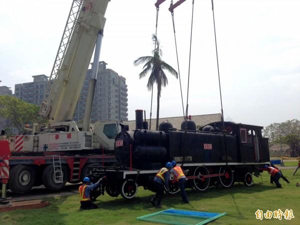 駁二鐵道園區增加生力軍,百年CK58蒸汽機車報到。(記者黃佳琳攝)