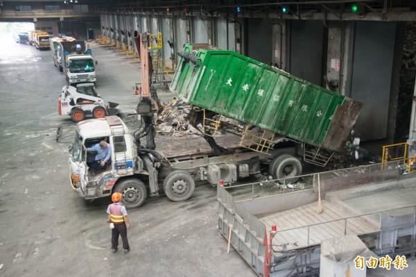 7縣市積欠高雄垃圾待處理費,高雄市南區資源回收廠(如圖)可能停止代燒。(記者黃旭磊攝)