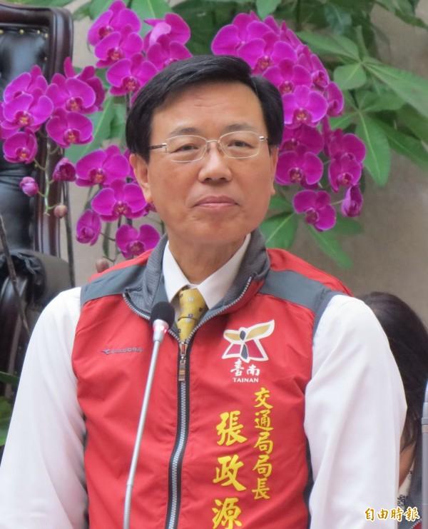 交通局長張政源表示,台南輕軌捷運系統先期規劃報告預計年底完成。 (記者蔡文居攝)