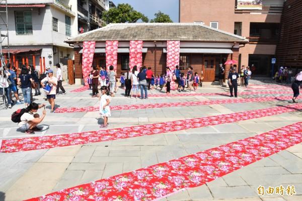 美濃警察分駐所日式宿舍變身為幼兒圖書館。(記者蘇福男攝)