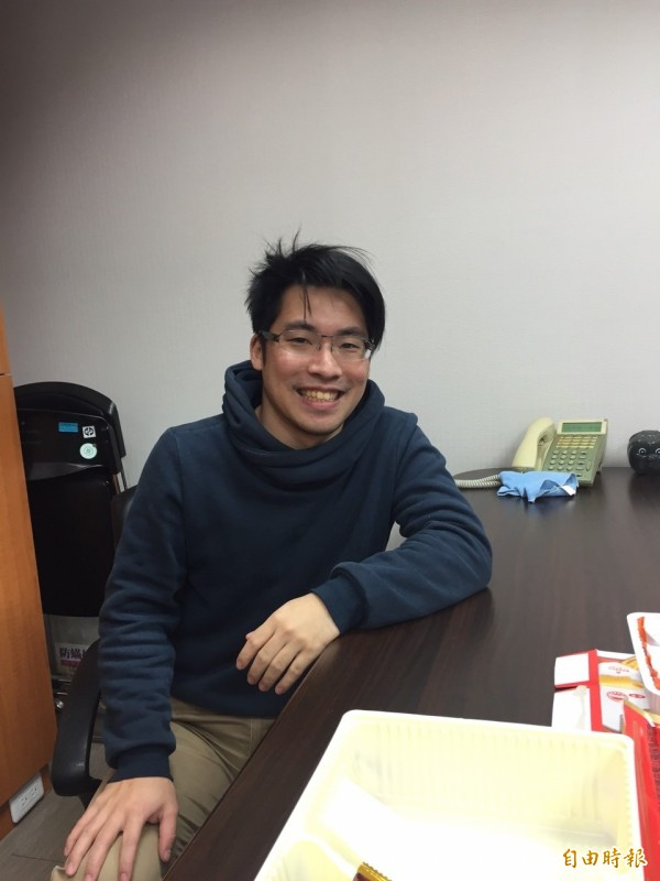 學運五虎將之一的劉李俊達目前擔任民進黨立委徐國勇助理。(記者蘇芳禾攝)