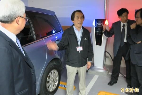 興隆公宅的智慧電動車充電系統。(記者郭安家攝)