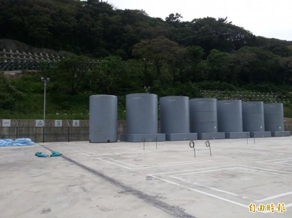 新北市府強調,高階核廢料燃料池貯存槽若爆滿,在最終處置場址仍無法確定下,應考慮提前除役。(記者何玉華攝)