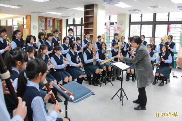 蘇麗敏說,她要延續好友張以玲老師的音樂理念,帶領學生往前走。(記者陳冠備攝)