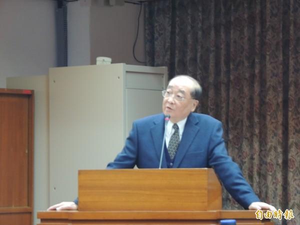 對於中國OTT業者錢進台灣一事,文化部長洪孟啟認為政府沒有權力替人民決定要看什麼、不看什麼。(記者楊媛婷攝)