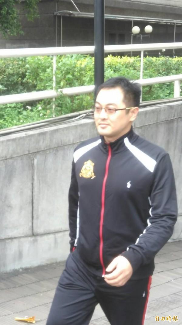 上櫃康呈生醫董事長吳俊毅,因涉及炒股被台中地檢署諭令以800萬元交保。(記者楊政郡攝)