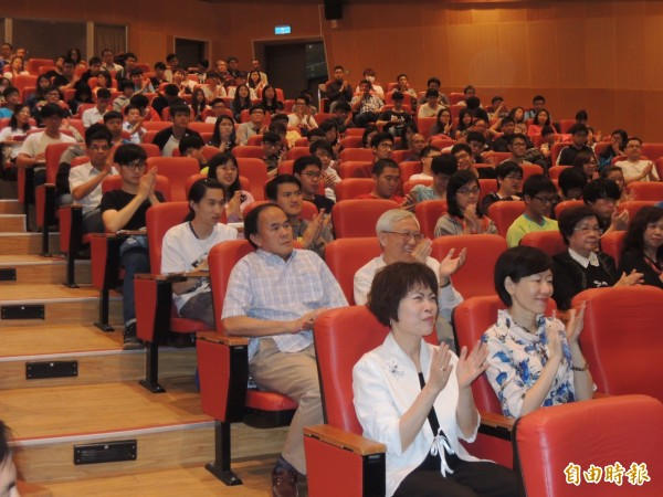 會場有不少人聆聽游錫堃演講。(記者江志雄攝)