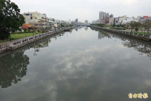 台南運河開放航權,預計年底可出現載客遊船(記者黃文鍠攝)