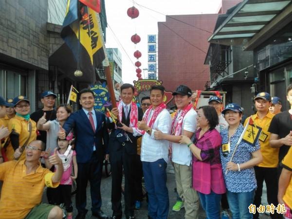 藝人林瑞陽、徐乃麟及庹宗康等皆到場參加浩天宮媽祖北港進香起駕儀式。(記者歐素美攝)