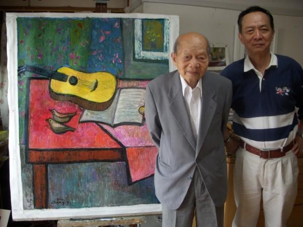 台灣前輩畫家張義雄(左)昨台灣時間下午4點32分病逝於日本,享嵩壽102歲。(李金祝提供)