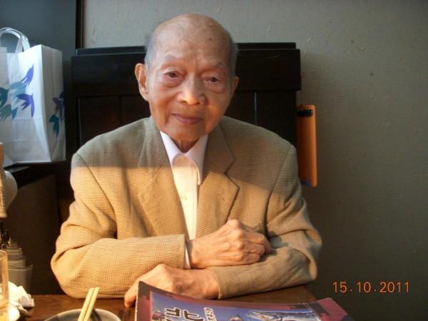 張義雄是第一位獲法國藝術家年金的台灣藝術家,更曾獲總統頒發象徵文化最高榮譽獎的中華民國景星勳章。(李金祝提供)