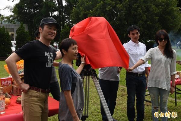 電影「老師,你會不會回來」,在南投縣竹山鎮瑞竹國中舉行開鏡儀式情形。(記者謝介裕攝)