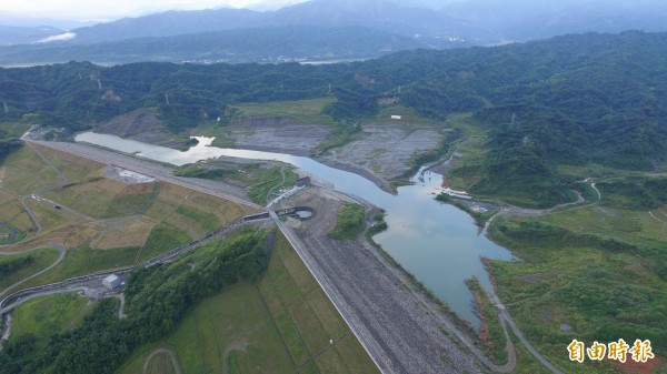 湖山水庫接近完成第一階段蓄水目標,7月1日起正式供水給自來水公司。(記者詹士弘攝)