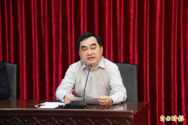 副市長鄧家基表示,將成立終止契約小組,若遠雄在九月八日前仍未完成改善,將啟動解約。(記者鍾泓良攝)