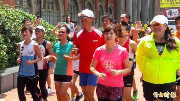 新竹市城市馬拉松簡章出爐了,八月三日開放線上報名,今年有預填名單及個人和團體報名,跑友要多加注意。(記者洪美秀攝)