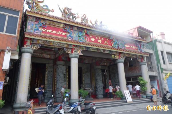 鹿港威靈廟奉祀有七宮夫人,也就是七娘媽。(記者劉曉欣攝)