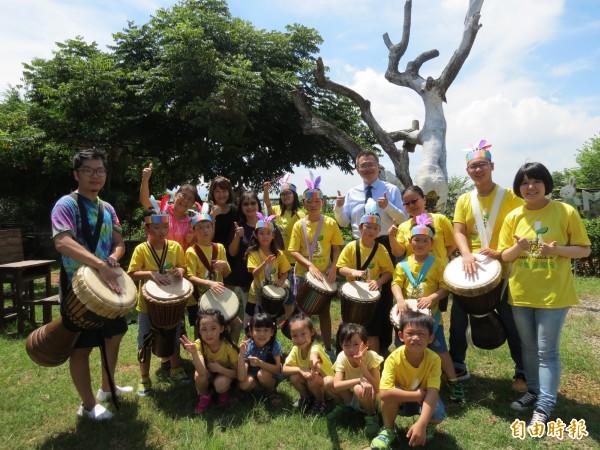 愛心音樂老師將辦公益音樂會,現場並募款捐給服務罕見疾病的「天使心家族社會福利基金會」。(記者蘇金鳳攝)