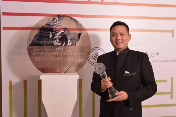 南藝大中國音樂學系教授顧寶文以專輯《台灣意象》獲得傳藝金曲獎最佳專輯製作人。(南藝大提供)