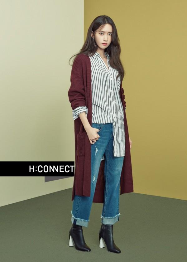 H:CONNECT代言人潤娥,演繹品牌以軍裝為發想的秋冬新趨勢。(H:CONNECT提供)