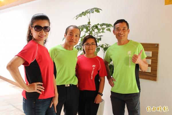 遠東新世紀配合今年的經典馬拉松所推出的參賽紀念運動服,除了強化疏水性,還標榜在太陽光下可以有效反射「近紅外線」所帶來的熱感。(記者黃美珠攝)