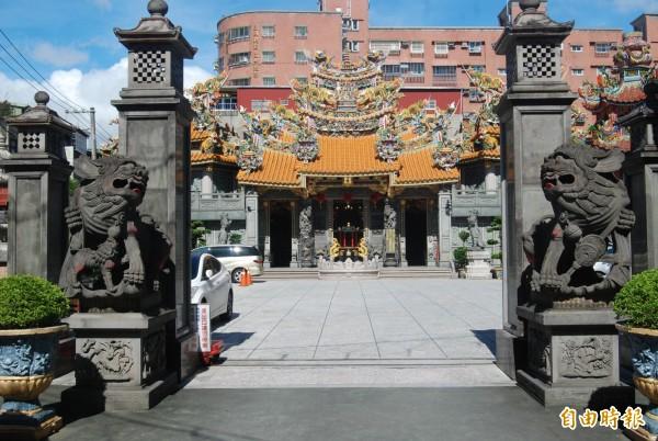 鎮南宮主祀五年千歲,樹林人常以「千歲廟」稱之。(記者張安蕎攝)