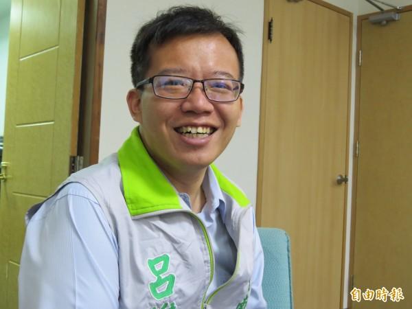 台南市長賴清德的嫡系子弟兵呂維胤,反對設置龍崎掩埋場。(記者蔡文居攝)