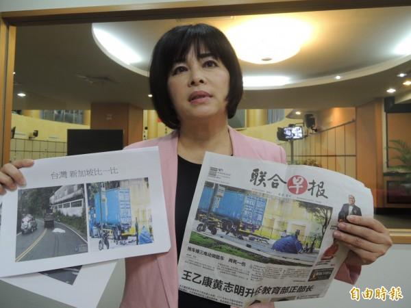 市議員賴惠員建議車禍死亡遺體,仿新加坡作法,以小帳棚取代蓋白布。(記者洪瑞琴攝)