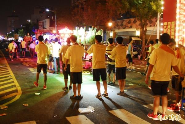 陣頭是台灣傳統民俗活動。(記者王捷攝)