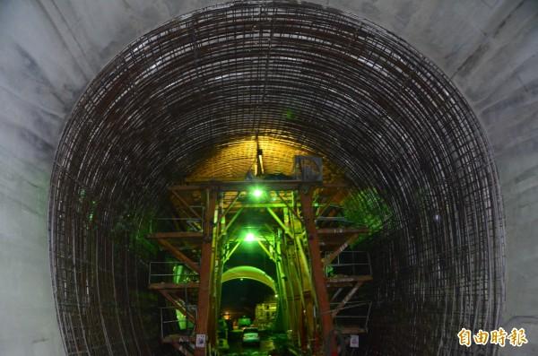 興建中的曾文水庫防淤隧道,預計明年中完工。(記者吳俊鋒攝)