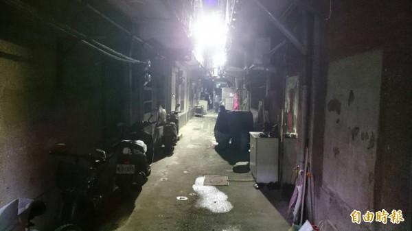 陳姓男子持刀在永吉路468巷口砍殺友人潘姓前妻。(記者姚岳宏攝)