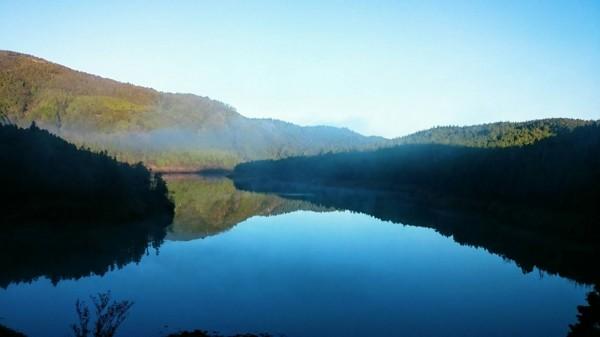 翠峰湖湖景。(圖由翠峰山屋黃清漢提供)