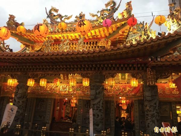 今年松山區燈會地點在慈祐宮前廣場。(記者聶瑋齡攝)