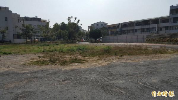 當時被列危樓的山上區公所,現址已夷為平地,準備重建。(記者吳俊鋒攝)
