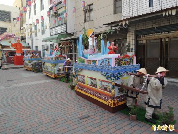 台灣燈會北港燈區藝閣花燈,呈現最傳統的藝閣原貎。(記者陳燦坤攝)