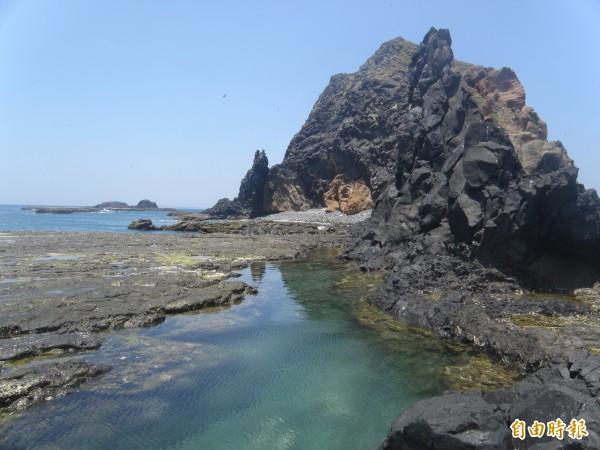 澎湖要以玄武岩美景發展觀光,不要核廢料進駐。(記者劉禹慶攝)
